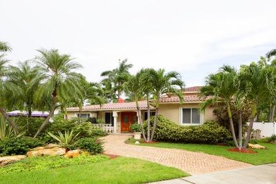 Creating Private Spaces on Your Southeast Florida Property