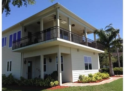 Build a Better Balcony with White Aluminum St. Lucie