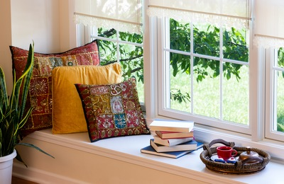 5 Tips for the Ultimate Window Seat Setup
