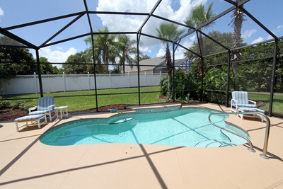4 Reasons Your Port St. Lucie Pool Deserves an Enclosure